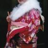 ユウコさんもついに新成人。夢屋でも張り切っています。小学校の担任の先生からお祝いに天草サブレもいただきました。