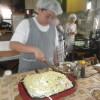阿蘇中学体験学習~4日目~さあ、もうパン作りも手つきがだいぶ良くなってきました。お昼は焼きそばでした。