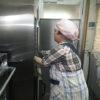 パン作りなど、皆で活動をやっています。