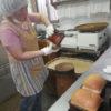 今日もしっかりパンが膨らんでくれています。合間に朝顔の種も取っています。