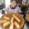 皆でパン作りなどの活動をやっています。順調に焼けてきています。