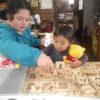 今日は小さな仲間さんがやってきて、メンバーたちと遊んだ後、クッキーづくりにチャレンジしてみました。