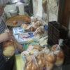 パンも順調にできました。ハエが多いのでハエトリガミをつけました。効果抜群です。