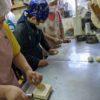 皆で活動しています。新メンバーのヒロさんも、パン作りやけん玉がかなり上手になってきました。
